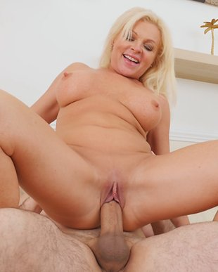 Mom sex son porn tube